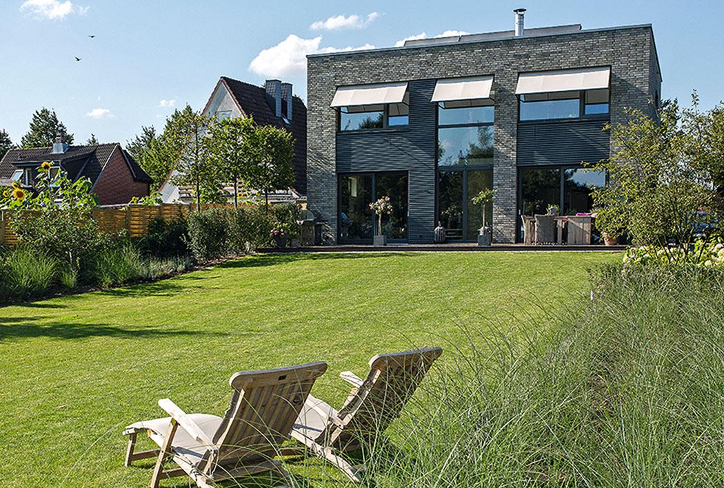 Architektenhaus Auf Großem Grundstück
