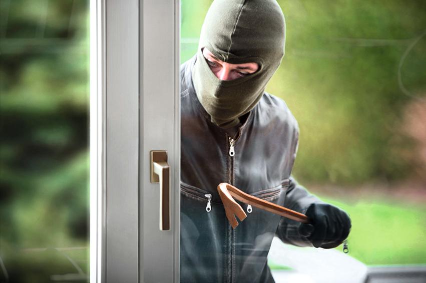 Einbrecher An Terrassentür