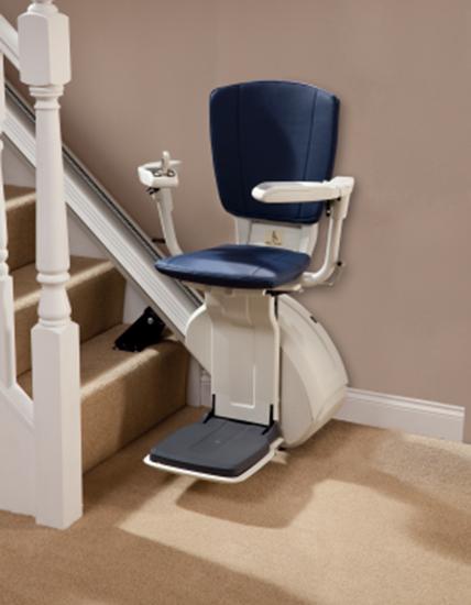 barrierefreiheit mit treppenlifte beim eigenheim das eigene haus. Black Bedroom Furniture Sets. Home Design Ideas