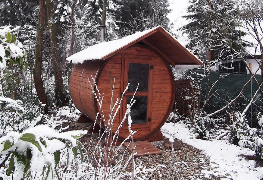 Sauna Im Verschneiten Garten