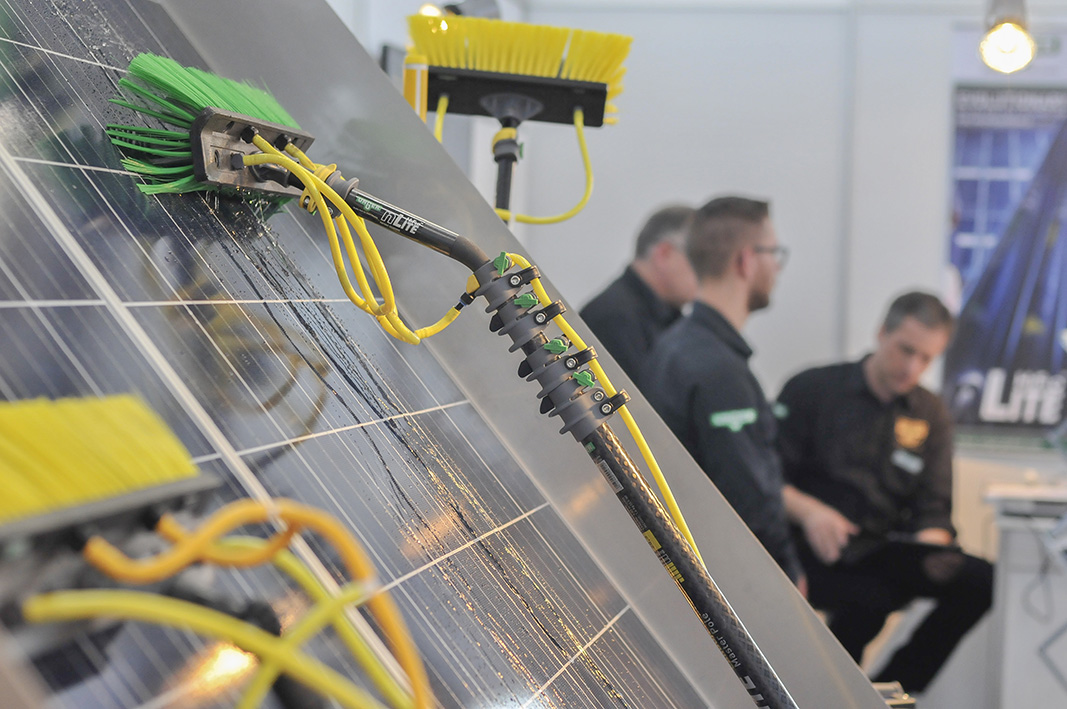 Vorrichtung Zum Waschen Einer Solaranlage