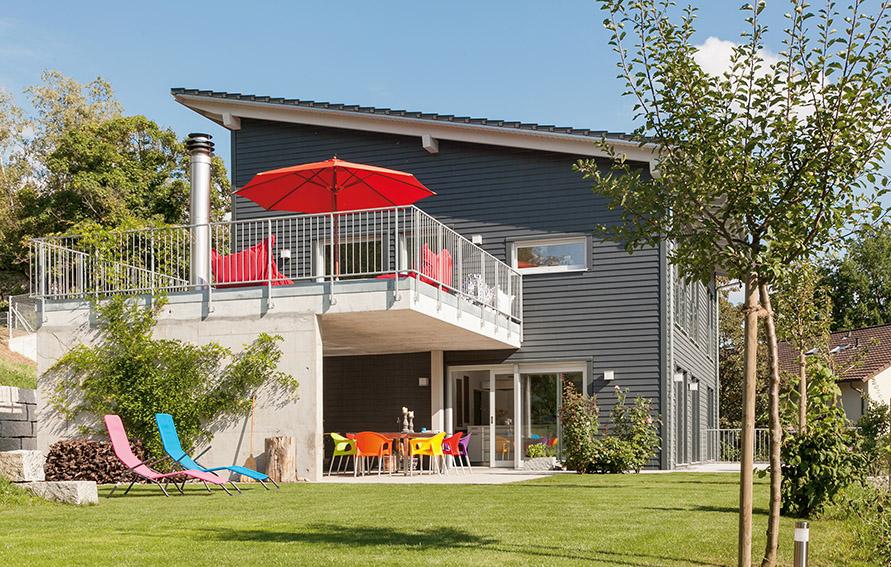 Holzhaus Mit Terrasse Und Dachterrasse