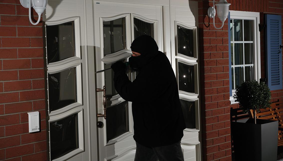 Einbrecher Vor Einer Haustür