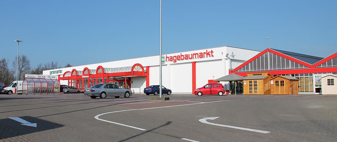 Hagebaumarkt Auf Parkplatz