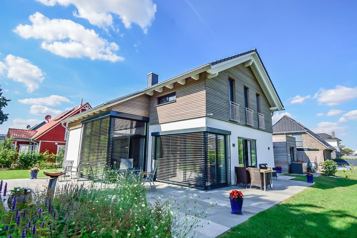 Ökologisch Bauen –  Für Die Gesundheit Andreas Johnsen Baut Einzigartige Holzhäuser Fürs Leben